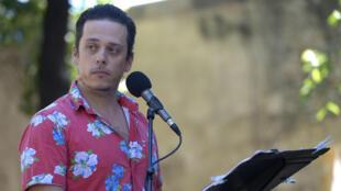 Karim Barras dans « E-passeur.com » de Sedef Ecer, dans le cadre de « Ça va, ça va le monde ! », organisé par RFI.