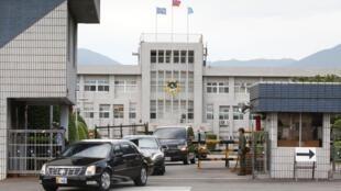 Le cortège du secrétaire américain à la Santé Alex Azar quitte l'aéroport militaire de Taipei, le dimanche 9 août 2020.