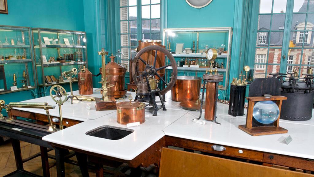 El Museo Pasteur exhibe los instrumentos que utilizó el científico francés en sus experimentos.