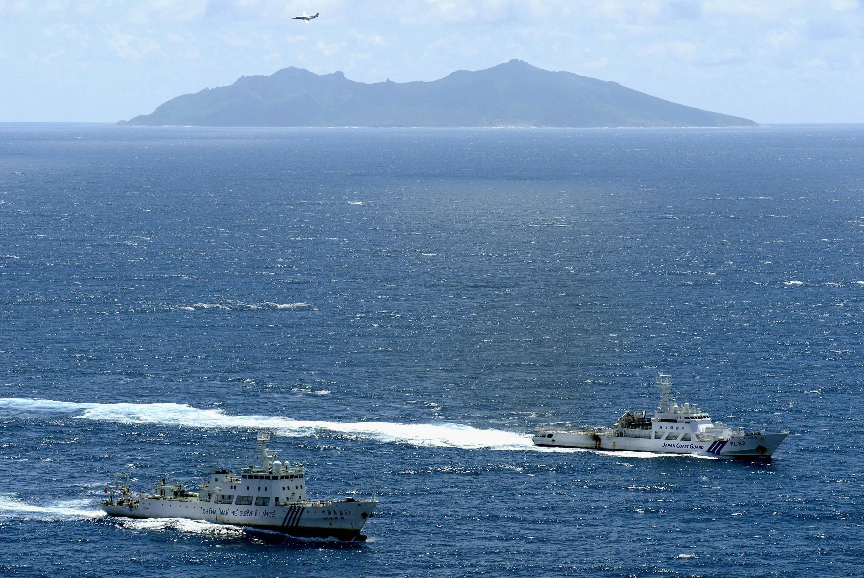 Tàu hải giám Trung Quốc gần đảo Uotsuri, thuộc quần đảo Senkaku/Điếu Ngư. Ảnh chụp ngày 17/01/2013