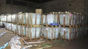 Du matériel acheminé par par bateau depuis la France en vue de l'organisation du scrutin malien.