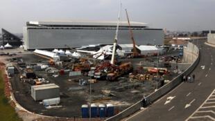 Obras ao redor do estádio Itaquerão, em São Paulo, neste domingo (18).