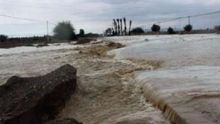 یک مقام مسئول محلی میگوید: بعید است به زودی محورها و پلهای ارتباطی آسیبدیده در آنها بازگشایی شود