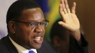 Bernard Membe, le chef de la délégation des observateurs de la SADC, lors d'une conférence de presse ce vendredi 2 août à Harare.
