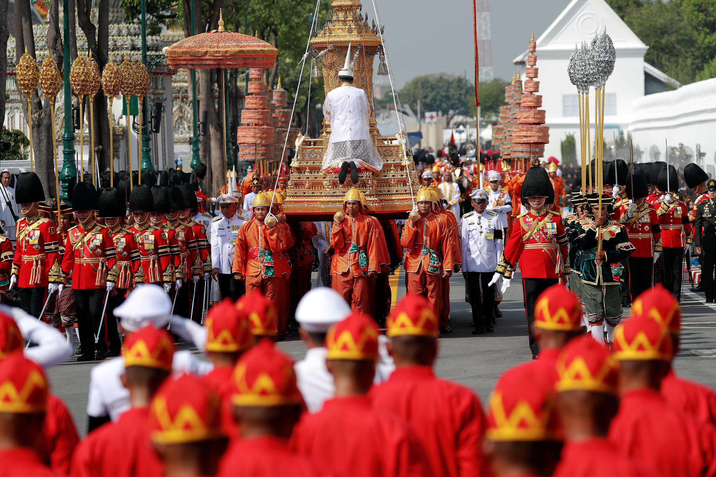 Bình tro cốt của vua Thái Lan Bhumibol Adulyadej, Bangkok, 26/10/2017.