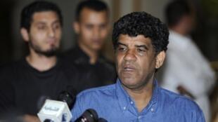 Abdallah al-Senoussi, ex-braço direito de Muammar Kadafi, foi detido na Mauritânia.