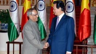 Thủ tướng Việt Nam Nguyễn Tấn Dũng tiếp tổng thống Ấn Độ Pranab Mukherjee tại Hà Nội. Ảnh ngày 17/09/2014.