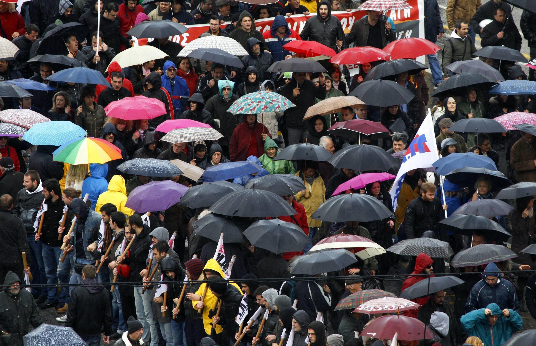 Демонстрация против режима экономии в Афинах 07/02/2012