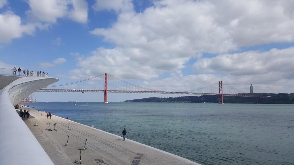 L'ambassadeur américain à Lisbonne accuse le Portugal de faire le jeu de la Chine