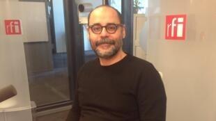 Cláudio Oliveira fala sobre o desafio e fascínio da tradução.