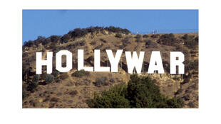 Couverture du livre de Pierre Conesa : « Hollywar. Hollywood arme de propagande massive ».