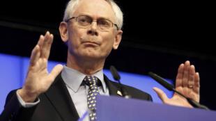 Herman Van Rompuy, presidente del Consejo Europeo, durante la conferencia de prensa al final de la cumbre, este 2 de marzo de 2012 en Bruselas.