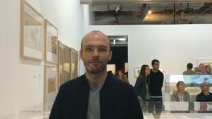 """Pedro Gomes na exposição """"Le Corbusier : medidas do Homem"""", no museu nacional de arte moderna, no centro Pompidou."""