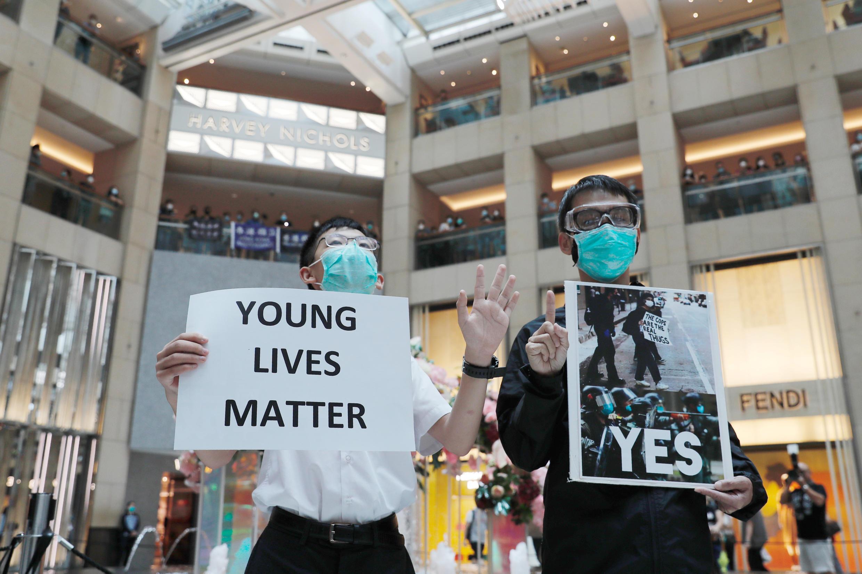 Giới trẻ đấu tranh vì dân chủ ở Hồng Kông biểu tình nhân 1 năm phong trào chống luật dẫn độ, ngày 09/06/2020.