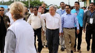 Sakatare Janar na Majalisar Dinkin Duniya Antonio Guterres a ziyarar da ya kai sansanin Kutupalong da ke Cox's Bazar a Bangladesh wurin da 'yan gudun hijirar na Mynamar ke samun mafaka.