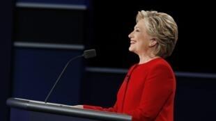 បេក្ខនារីប្រធានាធិបតី Hillary Clinton បក្សប្រជាធិបតេយ្យ