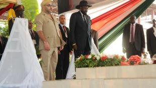 Le roi du Maroc, Mohammed VI, avec le président du Soudan du Sud, Salva Kiir, à Juba, le 2 février 2017.