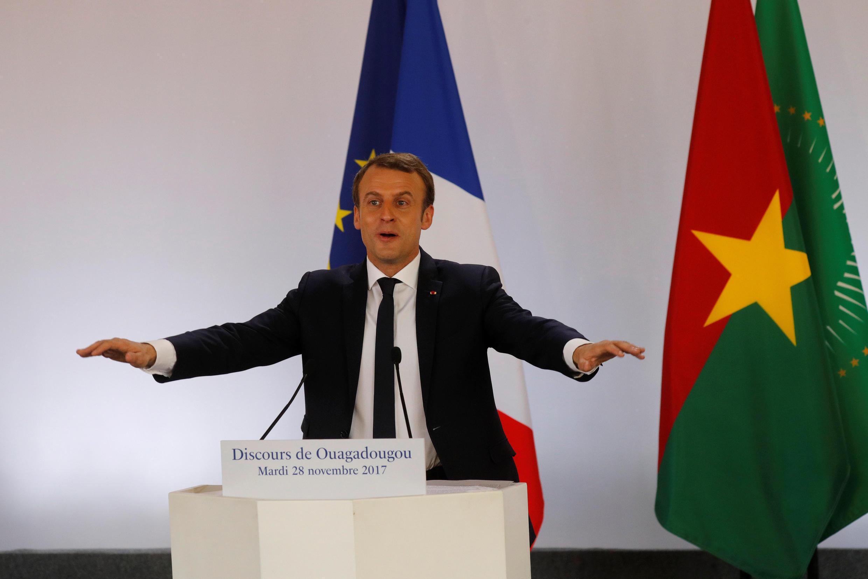 O presidente francês Emmanuel Macron, durante discurso na Universidade de Uagadugu, em Burkina Faso, em 28 de novembro de 2017.