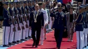 François Hollande, aux Philippines, pour une visite de deux jours. Manille, le 26 février 2015.