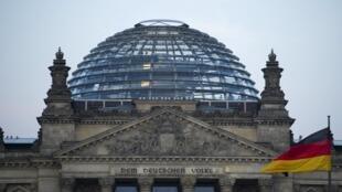 El Reichstag, sede de la cámara de diputados del parlamento alemán, Bundestag, Berlín, 14 de agosto de 2015.