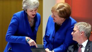 英國首相特雷莎梅及德國總理默克爾參加歐盟峰會。