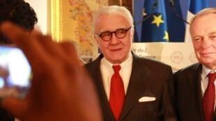 Alain ducasse et ayrault a la conference de goût de france, quai d orsay paris 7 mars 2017