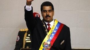 Nicolas Maduro, lors de la cérémonie d'investiture, ce vendredi 19 avril à Caracas.
