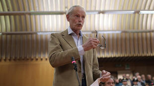 La dernière audience du procès de l'auteur de Montedidio, prix Fémina étranger en 2002, Erri De Luca (C) s'est ouverte lundi 19 octobre à Turin.