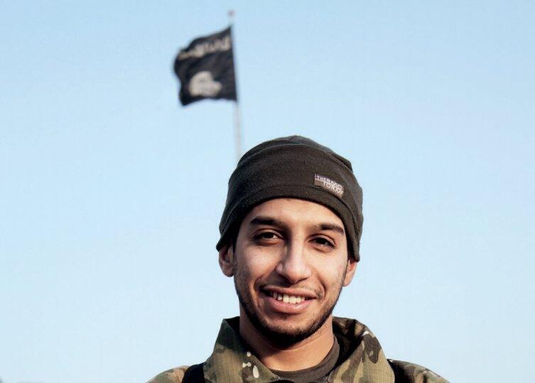 Abdelhamid Abaaoud, kẻ bị tình nghi đã tổ chức đợt tấn công đêm 13/11 tại Paris -  REUTERS /Social Media via Reuters