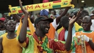 Mali football fans cheer on their team against Democratic Republic of Congo