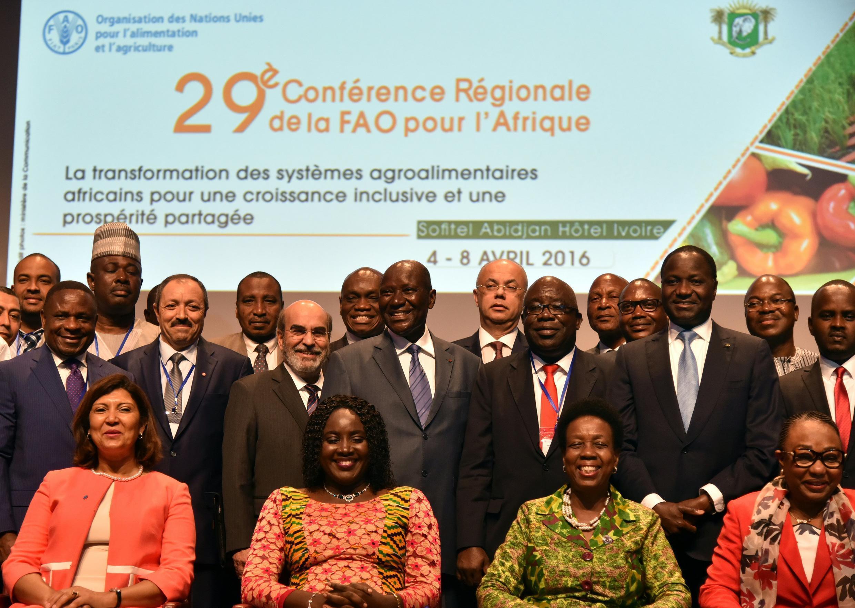 Les participants à la 29e conférence de la région Afrique pour la FAO à Abidjan, en Côte d'Ivoire le 7 avril 2016.