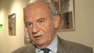 O professor Alain Carpentier, cofundador da Carmat.