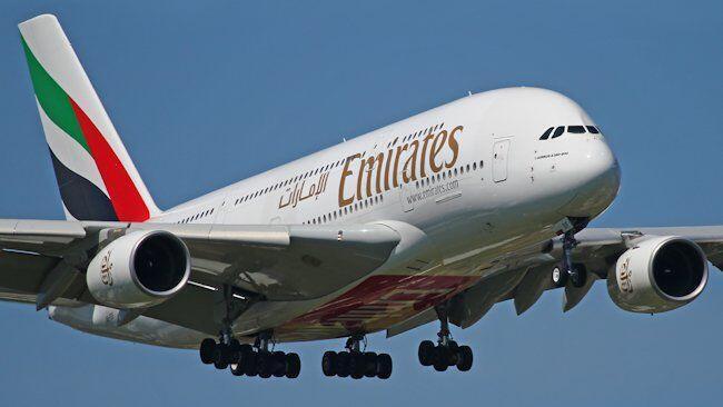 پروازهای شش شرکت هواپیمائی حوزۀ خلیج فارس و از جمله کمپانی «امیریتز» از مبدا و به مقصدِ دوحه به حال تعلیق در آمد.