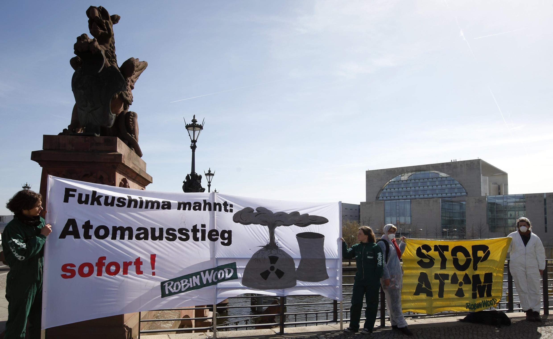 Nỗi lo hạt nhân - Biểu tình phản đối điện nguyên tử tại Đức, Berline, 23/3/2011.