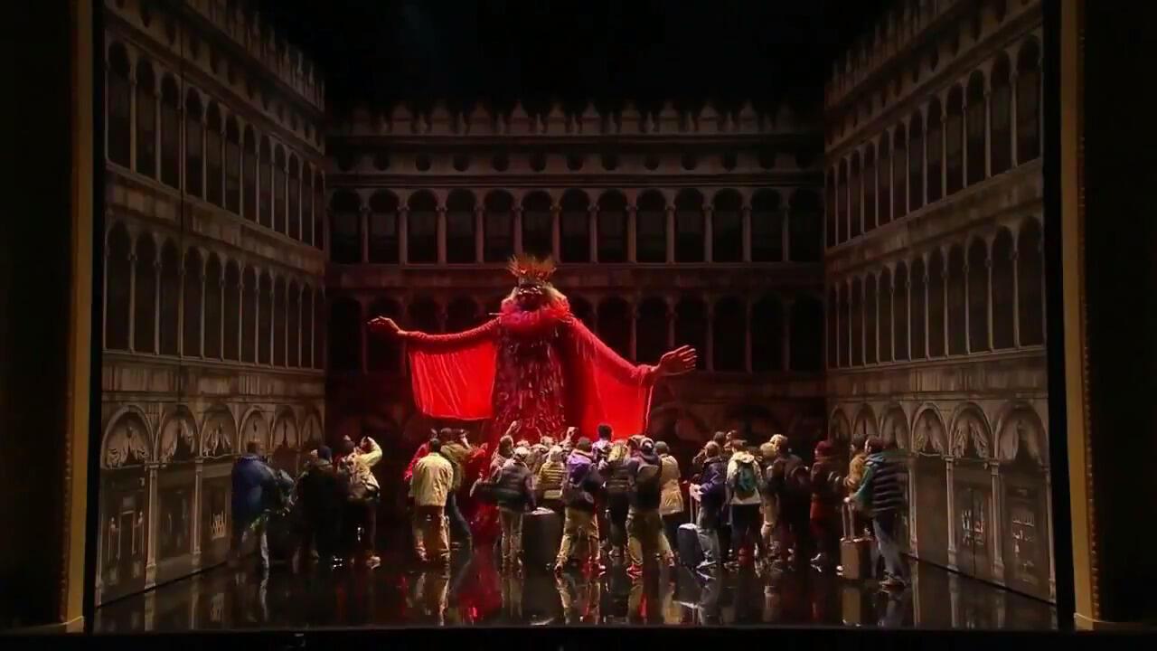 "اپرای کارناوال ونیز، اثر آندره کامپرا: ""شاه کارناوال"" معمولاً در پایان مراسم سوزانده میشود"