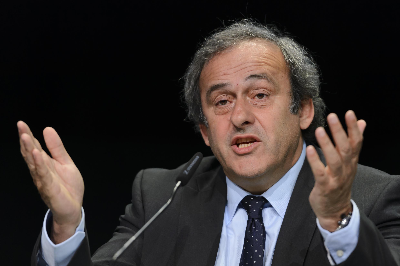 Michel Platini admite que não tem um contrato escrito sobre os 2 milhões de dólares suspeitos que recebeu da Fifa em 2011