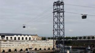 تله کابین شهر برست در غرب فرانسه