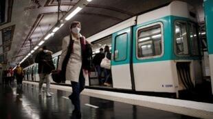 Le masque est obligatoire dans les transports en commun.