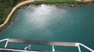 RD Congo : vue aérienne des berges du lac Tanganyika.