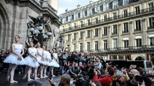 Балерины рассказали, что выбрали один из самых сложных актов «Лебединого озера»
