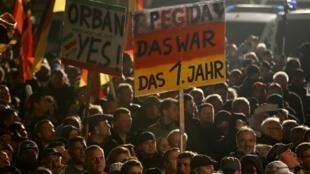 Biểu trình bài Hồi giáo (PEGIDA) tại Dresden, Đức, ngày 19/10/2015.