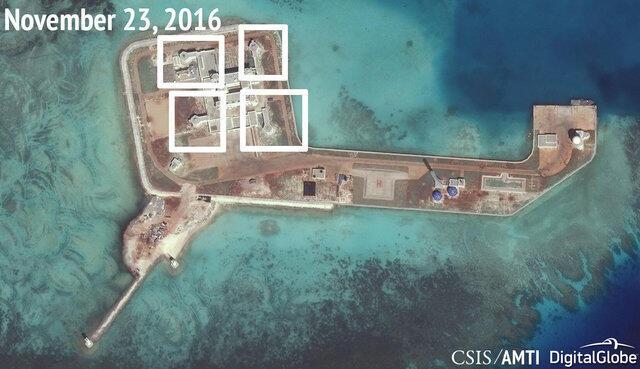 Ảnh vệ tinh của Sáng kiến Minh bạch Hàng hải châu Á (CSIS) công bố tháng 12/2016, cho thấy dường như Trung Quốc đã đặt tên lửa trên Đá Tư Nghĩa (Hughes Reef), ở Biển Đông