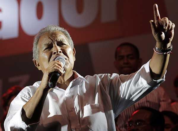 El exguerrillero Salvador Sánchez  Cerén confiaba el lunes en que el Tribunal Supremo Electoral confirme su  triunfo en las elecciones del domingo en El Salvador.