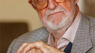 José Luis Sampedro.