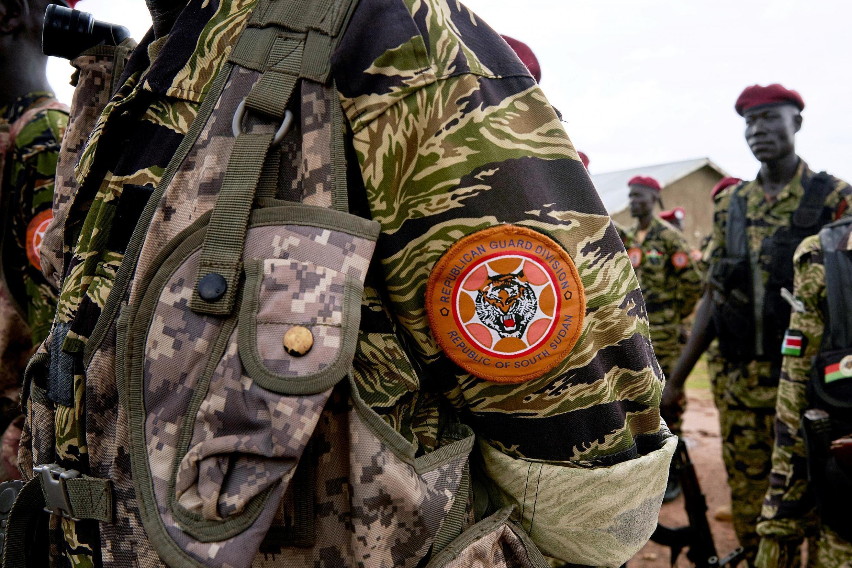 Le badge d'un des membres des Forces des défense du peuple sud-soudanais (SSPDF), anciennement appelées Armée populaire de libération du Soudan du Sud (SPLA).