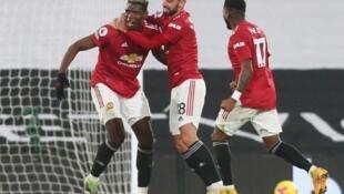 'Yan wasan Manchester United yayin murnar doke Fulham a gasar Premier Ingila