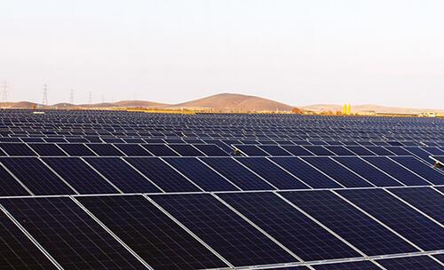 شرکت بریتانیایی کروکوس قرار بود پروژه ساخت نیروگاه خورشیدی را ظرف سه سال به پایان برساند