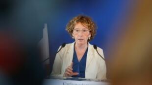 La ministra francesa de Trabajo, Muriel Penicaud, en rueda de prensa para hablar de la reforma del mercado laboral, el 28 de junio de 2017 en París