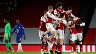 'Yan wasan Arsenal yayin murnar lallasa takwarorinsu na Chelsea a gasar Premier