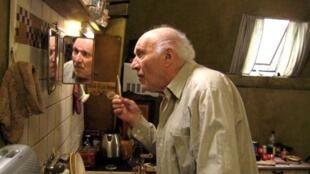 Michel Piccoli dans «Sous les toits de Paris».